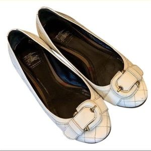 Authentic Burberry size 37 white quilted flats